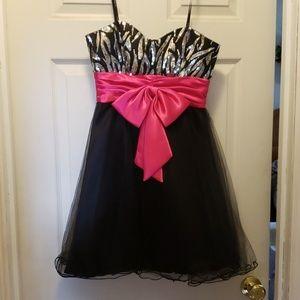 Beautiful homecoming dress, worn once
